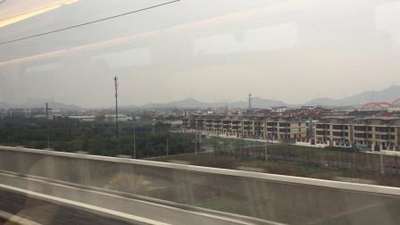 杭黄首日 D9553次列车上跨沪昆普速线
