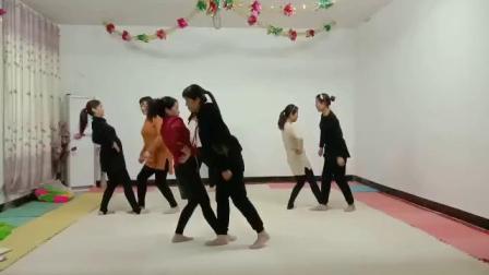 自编舞蹈(天堂之路你为我开通)排练中