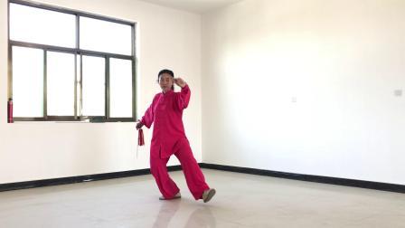 董丽老师演练32式太极剑