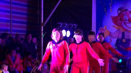 热烈祝贺冼太诞1506周年广场舞晚会--桥东舞蹈队(爱呀呀)