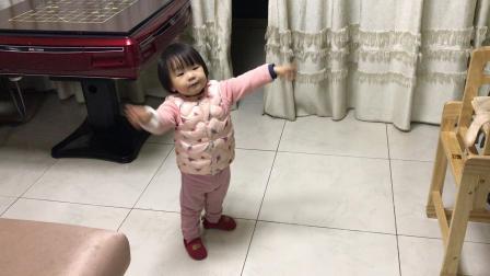 杏仁的自创舞蹈