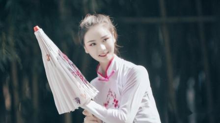 单色舞蹈中国舞优美展示 犹如一幅画的中国舞教练班的小仙女