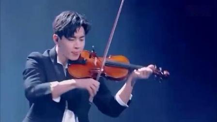 我在刘宪华这小提琴的技术真不是盖的,现场拉小提琴独奏魅力四射!截了一段小视频