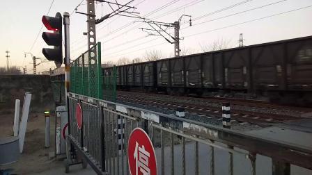火车视频之DF4D牵引货列