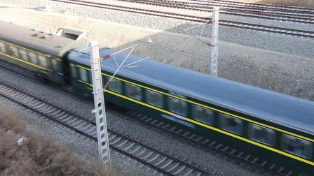 客车K4690次出白城站