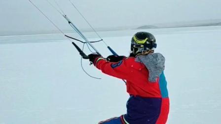 风筝滑雪运动~呼伦贝尔市