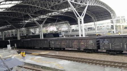 ND5加速通过南京站 HXD2B牵引0K4571六道发车