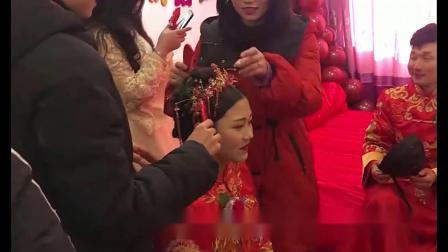 河南农村结婚-新娘子一进婆家忙得很,又铺床又洗手,很贤惠