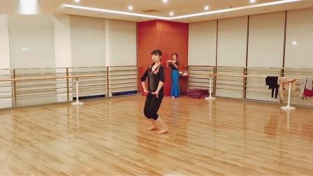 傣族舞:踢腿组合