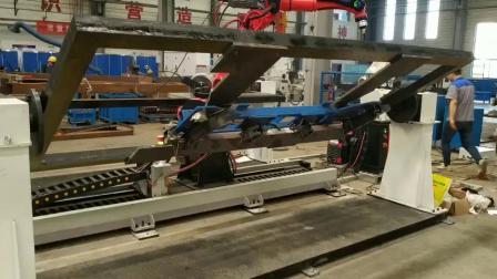 九轴联动矿机侧架焊接机器人