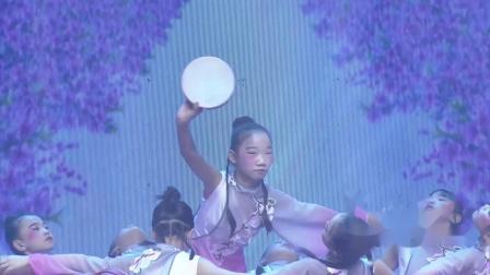 """第五届""""金荷花奖""""舞蹈大赛----月"""