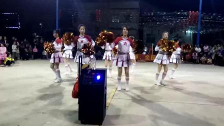 吴川市塘缀镇志埇舞队出队状元地村春节舞蹈大赛(福门开)二O一九春