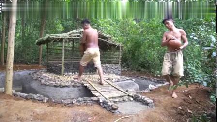农村兄弟野外庄园真是豪华,修建了鱼池又抓来了鱼自已养着
