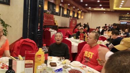 CCTV牛恩发现之旅:大导演陈逸恒生日会名导王文杰别样祝贺。
