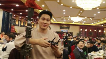 CCTV牛恩发现之旅:大导演陈逸恒生日宴会老戏骨王奎荣来贺。