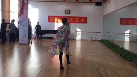 丰台文化馆模特队迎春展示:凤霞表演