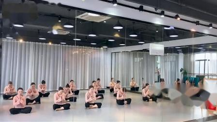 古典舞身韵:坐之相