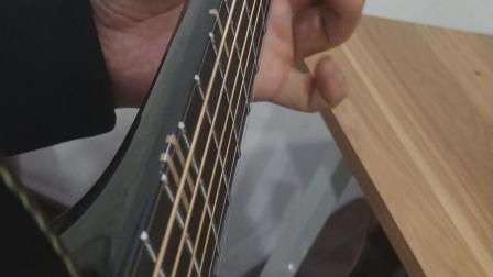 左手击勾弦力度练习