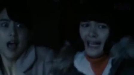 我在太恐怖了, 贞子大战伽椰子! 猛鬼对撞吓破胆, 晚上勿进截了一段小视频