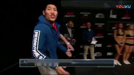 我在UFC中国第一人李景亮火爆称重现场截了一段小视频