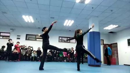 舞蹈:小河淌水(正面)