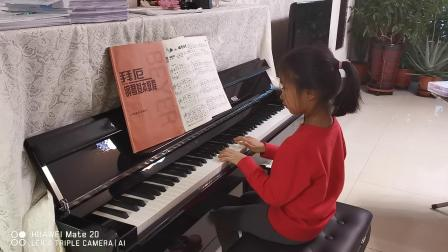 20190402宝贝练钢琴