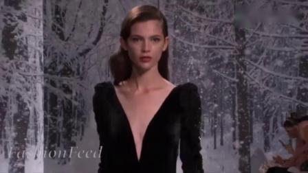 法国美女穿薄纱走秀_若隐若现尽显好身材_网友_太迷人!