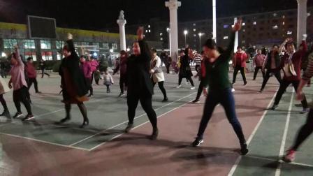 金东广场舞一冬天里的一把火