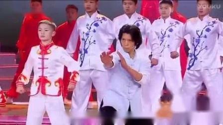 我在郑祖杰《少年中国》2017福建东南卫视华侨华人春晚截了一段小视频
