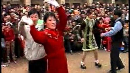 我在辛堡村第三届元宵节社火表演《2000年》截了一段小视频
