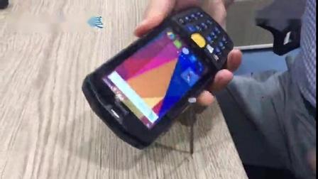 【实验室测试】东集AUTOID9安卓PDA手持终端-锤钉子