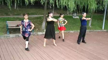 学跳小王子水兵舞