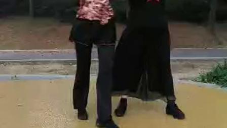 学跳小王子水兵舞(郑丶刘二人跳)