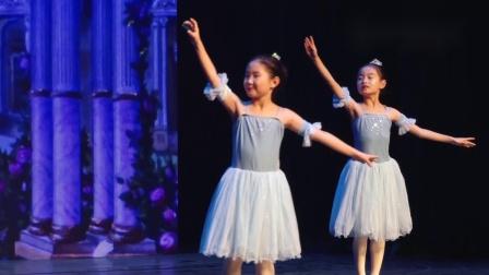 玛丽柏莎芭蕾学员演出《雪花圆舞曲》
