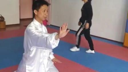 力从哪里来  第一节课8式太极拳