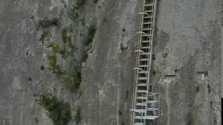 通往山顶的天梯,挑战自己的地方。