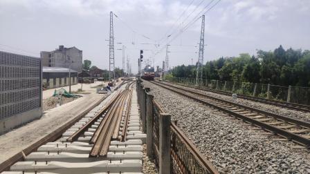 客车K768城固站三道通过本务SS7C0070