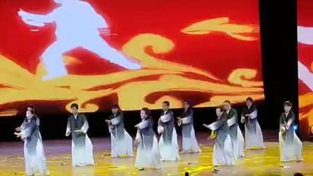 """黄梅老年大学太极提高班参加""""六一儿童节""""表演节目(太极一家亲)"""