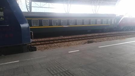 k8385准备发车。