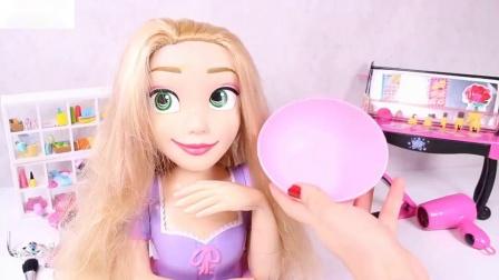我们画紫色的公主要去美容院