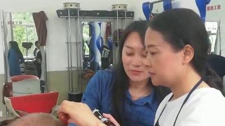 北京标榜美容美发学校  新学员第一次真人实操剪发