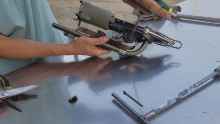 永滔床垫机械 床垫棕片枪换拉簧方法