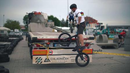 MAESTRO TEAM 在捷克 UCI C1比赛视频。