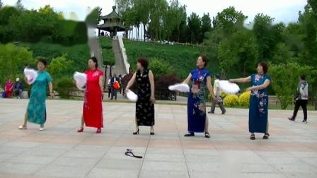 哈尔滨冰雪广场舞【旗袍美人】集体版