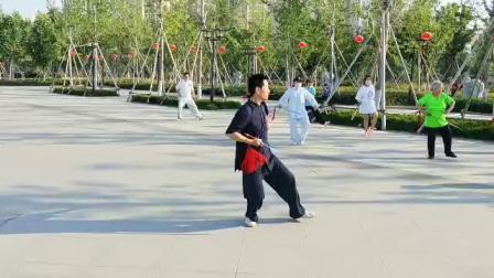 张爱国老师晨练32式太极剑-20190611