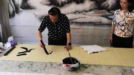 CCTV牛恩发现之旅:著名书法大家(刘福友)挥毫留墨贵客(毋定坤)北京金海湖人家。