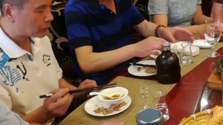 黄梅戏三曲连唱 《飘飘荡荡天河来》 《谁料皇榜中状元》 马到成功编辑于2019.6.15 《到底人间欢乐多》