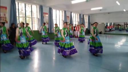 爱剪辑-彝族舞蹈:好美一个春