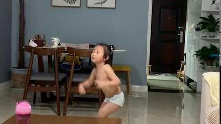 彭羽娍不穿衣服跳舞