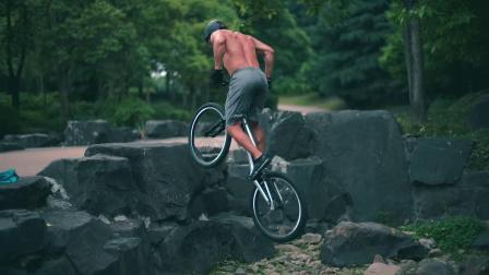 MAESTRO TEAM 攀爬自行车 Andrei 在上海